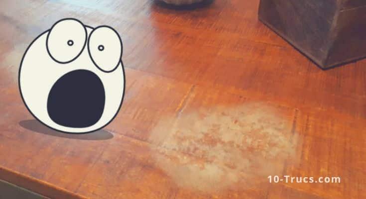 Comment enlever des taches blanches sur une table en bois verni ?